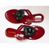 Шлепанцы Chanel.
