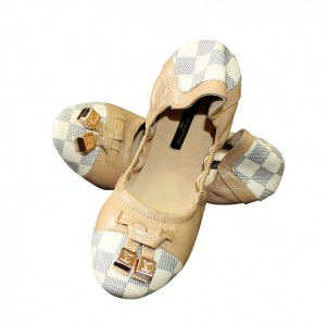 Балетки Louis Vuitton.