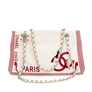 Сумка от Chanel.